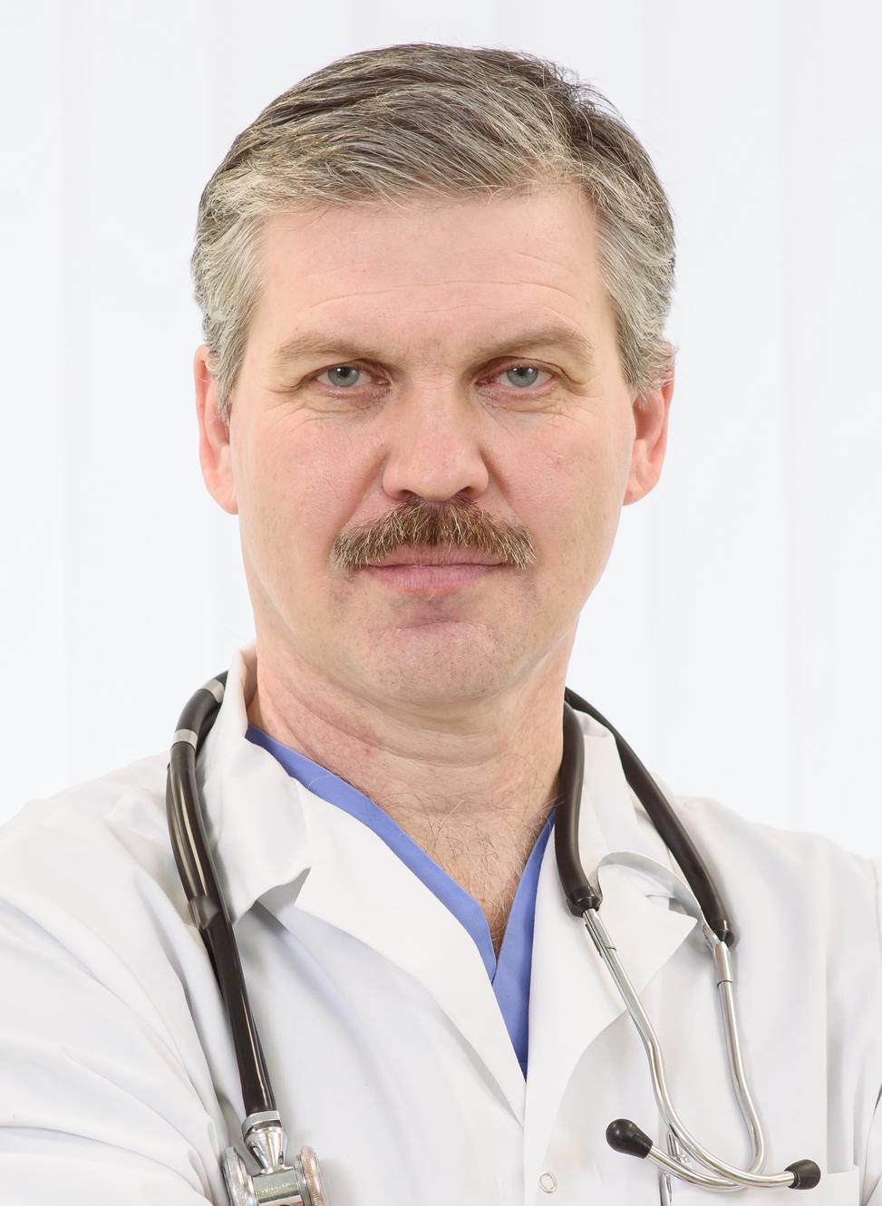 Victor Ruban_medic șef.jpg