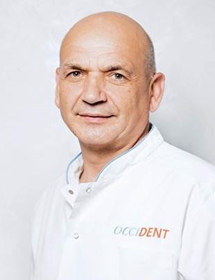 Михаил Костров