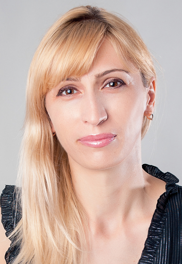 Alena Zlatova