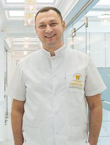 Владислав Касиян, директор, главный врач Cristi Dent
