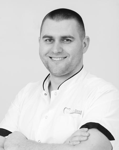 Руслан Пидгирня, директор Life Dental